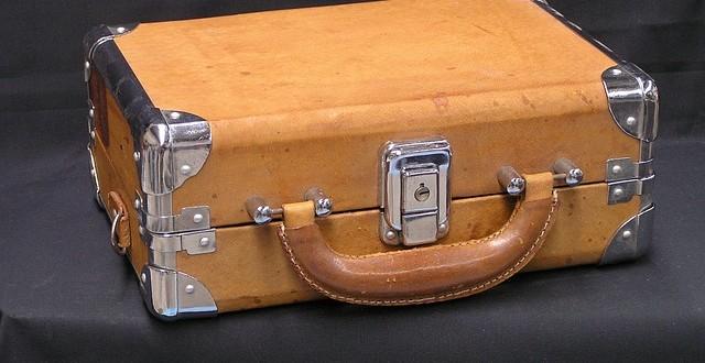 koffer trolley reisetasche so kann der urlaub beginnen. Black Bedroom Furniture Sets. Home Design Ideas